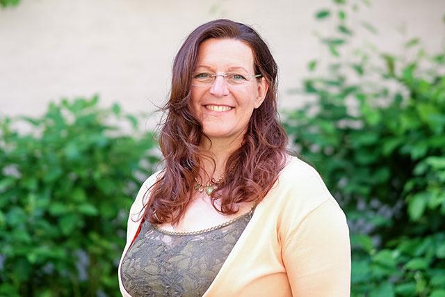 Angelika Wöll